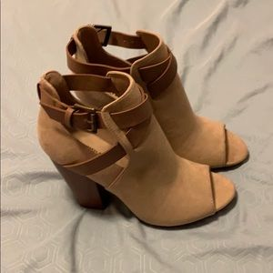 JustFab Booties size 8